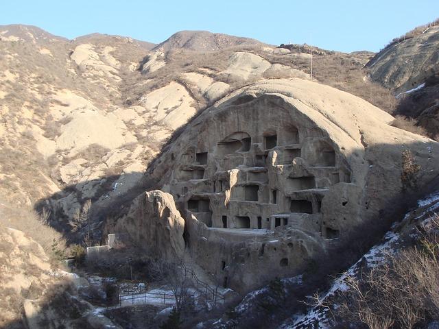 jeskynní dům
